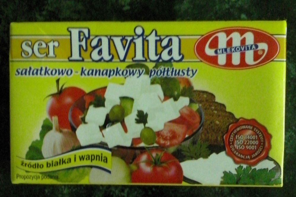 ile ma kalorii Ser Favita półtłusty
