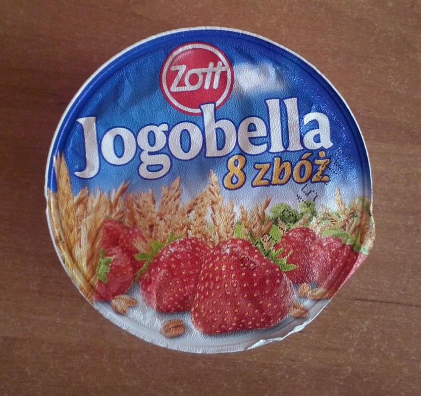 ile ma kalorii Jogobella 8 zbóż truskawkowa