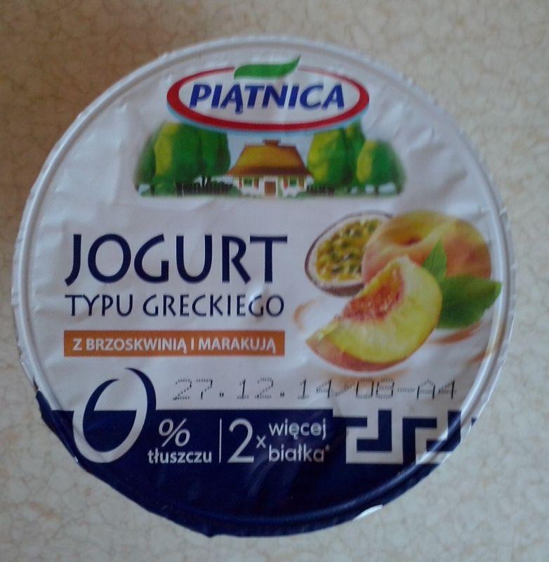 ile ma kalorii Jogurt typu greckiego z brzoskwinią i marakują